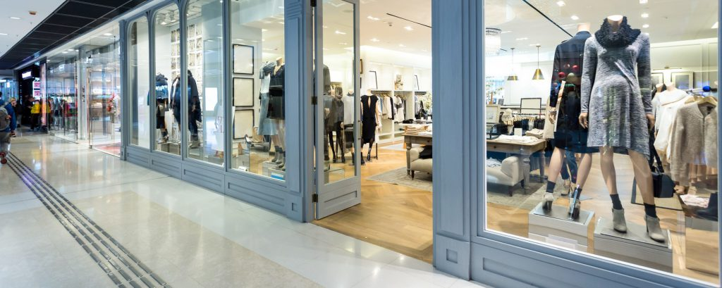 sostituzione vetrine negozi